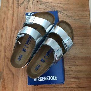 NWT Metallic Silver Arizona Birkenstock Sandal